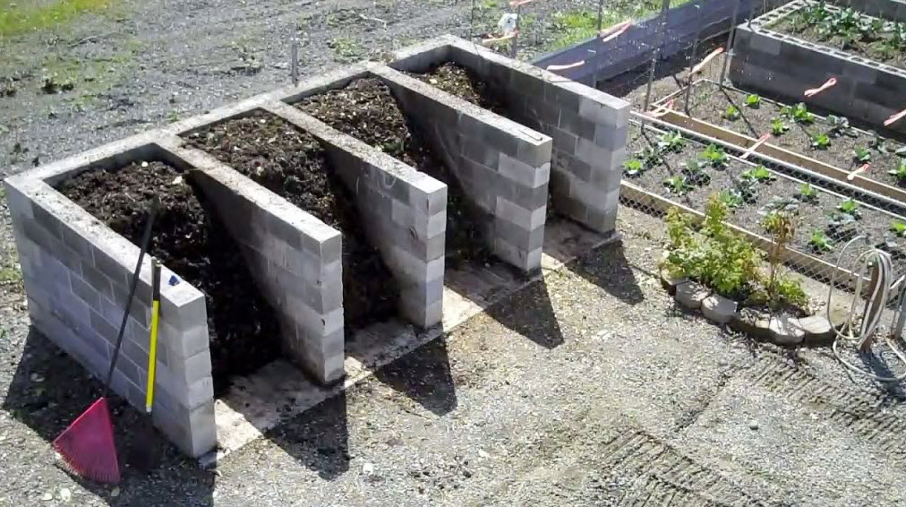 compost system with 4 compartments
