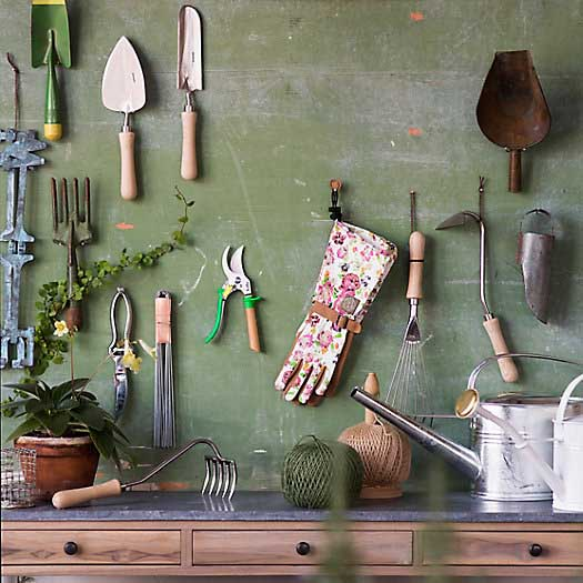 Gardening tools nice and clean